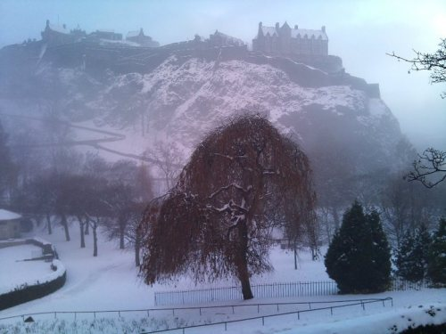 Snow on Edinburgh Castle by Gavin Woods